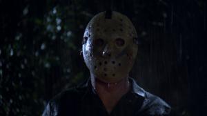 Un fan de vendredi 13 installe une statue de Jason au fond d'un lac!