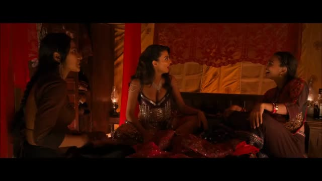 La Saison des Femmes : Ajay Devgn